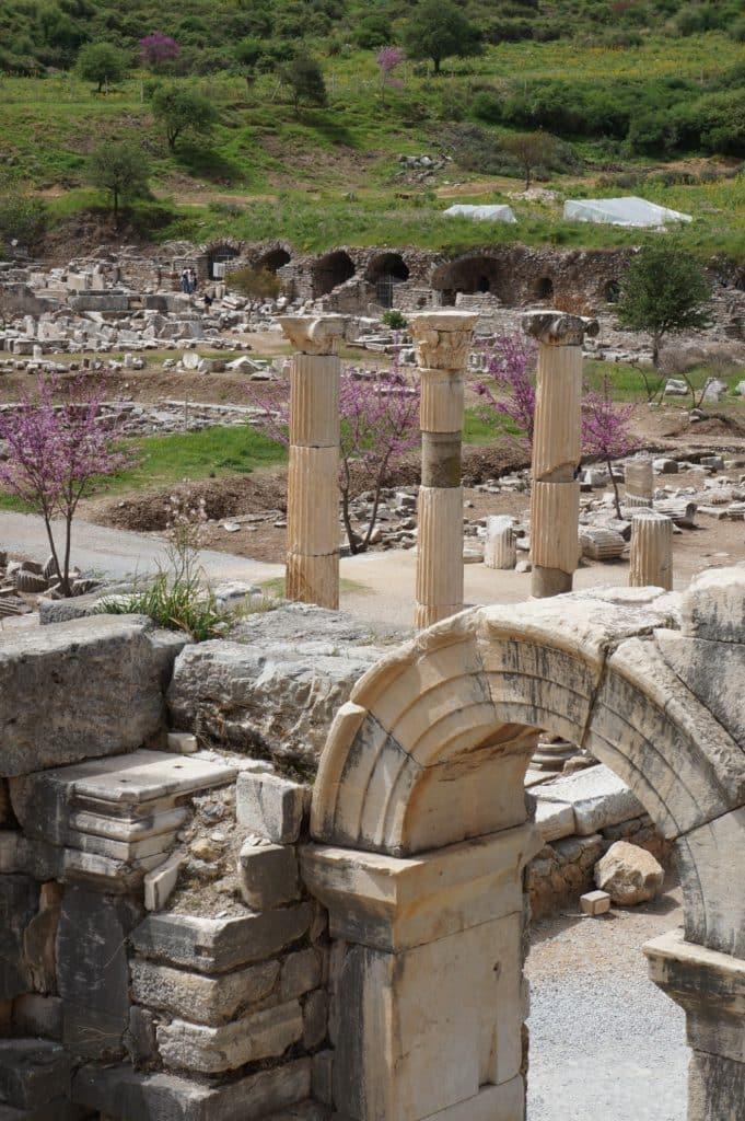 rozvaliny starobylého města Efes, poblíž Tureckého města Selcuk