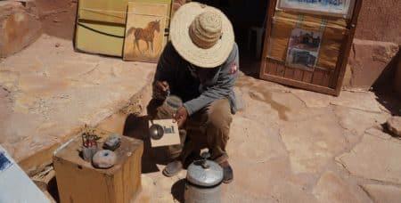 Kresba-Ohněm-v-Ain-Ben-Haddou-UNESCO-Maroko-Afrika-Vit-Lastovka-Jaknacesty.cz