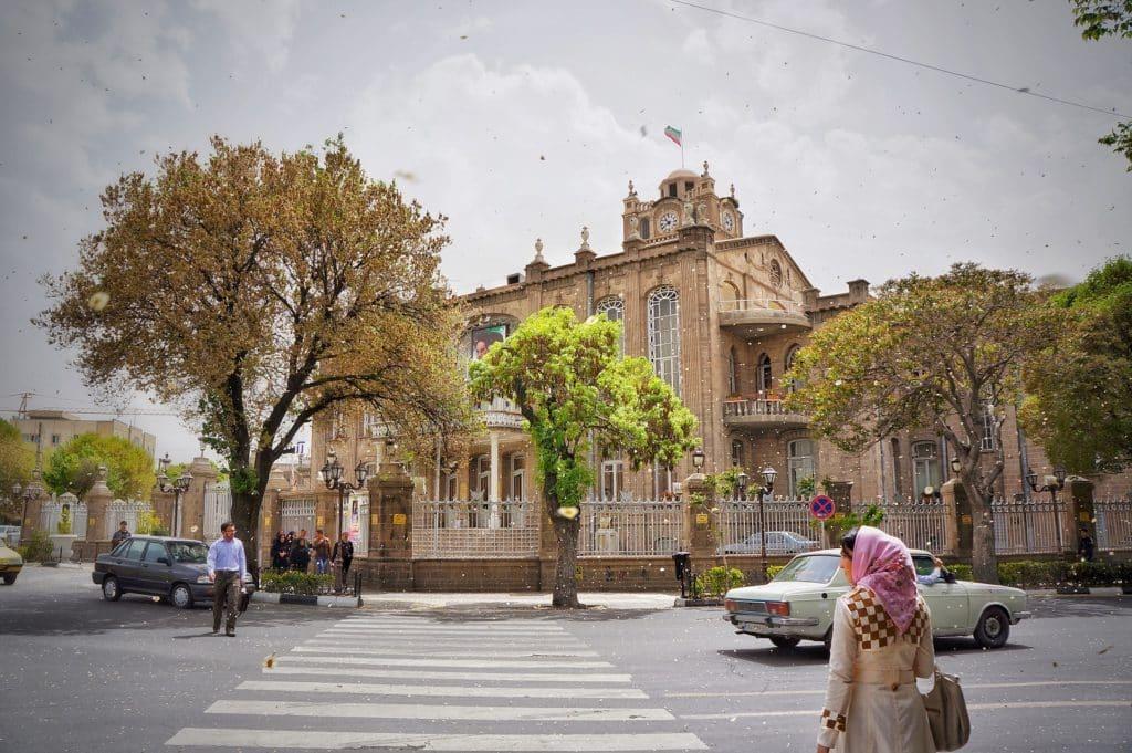 procházka centrem Íránského města Tabríz