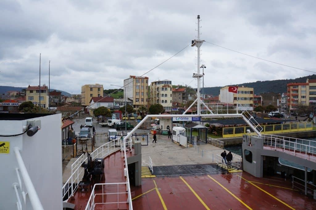 trajekt do města Canakkale na Asijské části Turecka