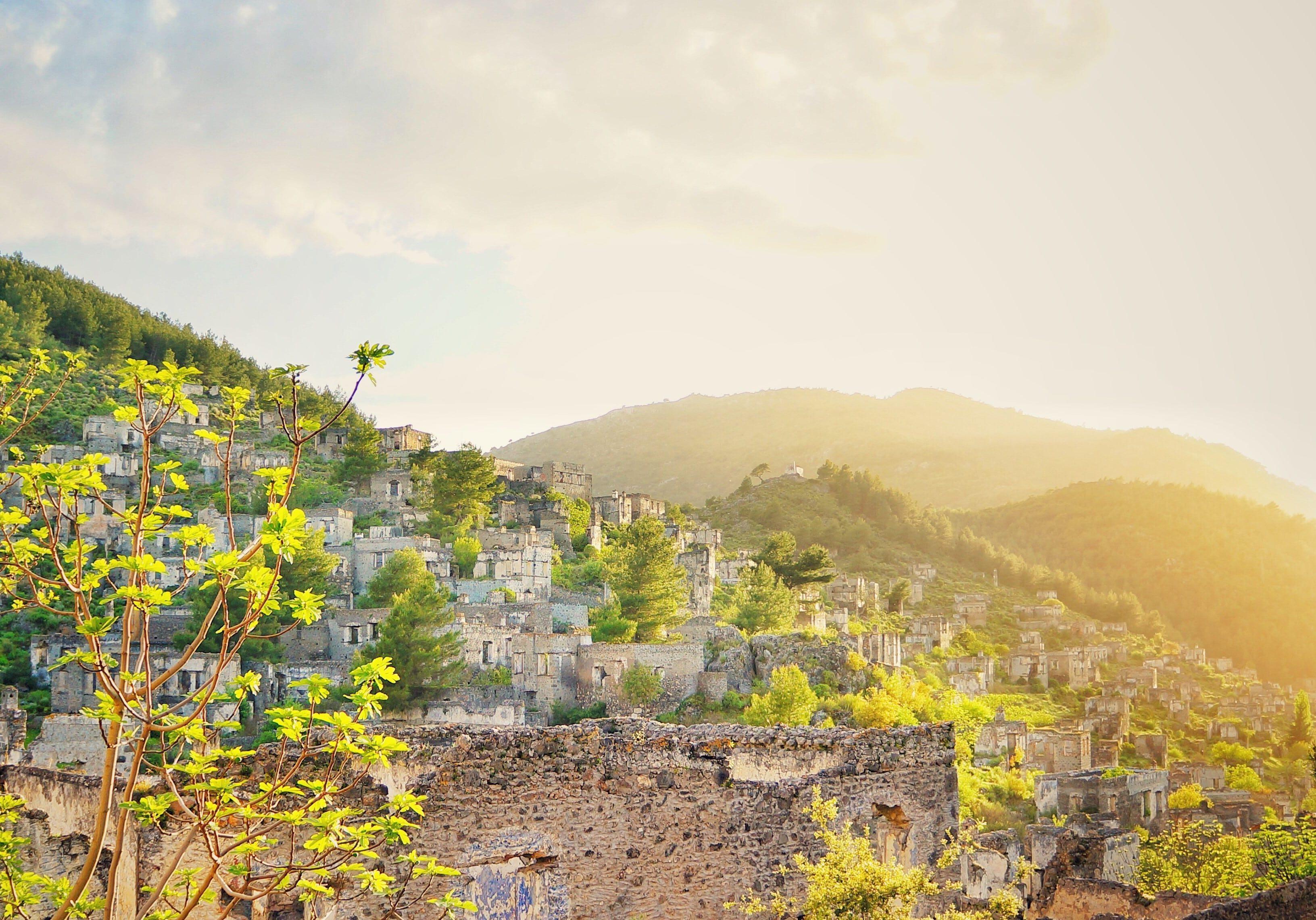 opuštěná Řecká vesnice Kayaköy, Fethiye (Turecko)