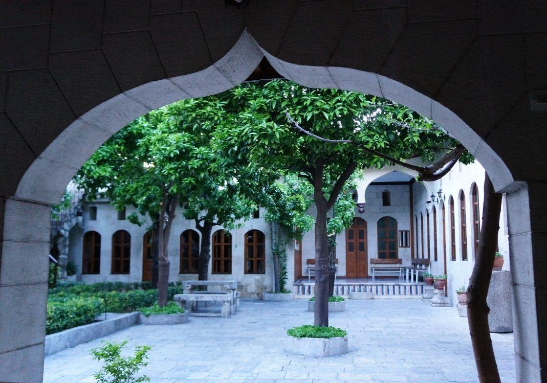 nádvoří-katolický-kostel-guesthouse-Antakya-Hatay-Turecko